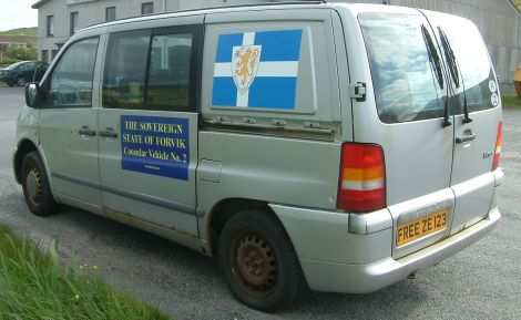 Hill's 'consular vehicle' with the fake registration plate.