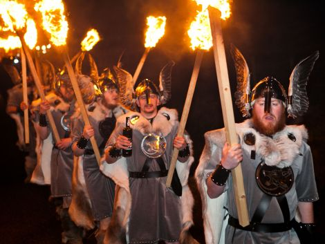 The jarl squad manage to keep their torches alight on a coarse night