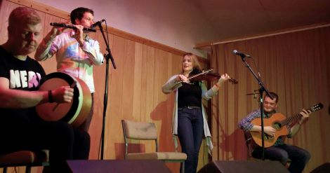 Niamh Ni Charra Band with the bodhran of Dominic Keogh. Photo Olivia Abbott