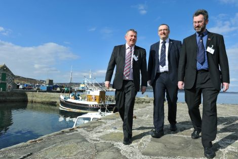 Angus Campbell, Gary Robinson abnd Steven Heddle met in Lerwick earlier this year - Photo: Malcolm Younger/Millgaet Media