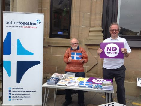 Better Together campaigners Geordie Jacobson and Graham Johnston. Photo: Shetnews/Neil Riddell