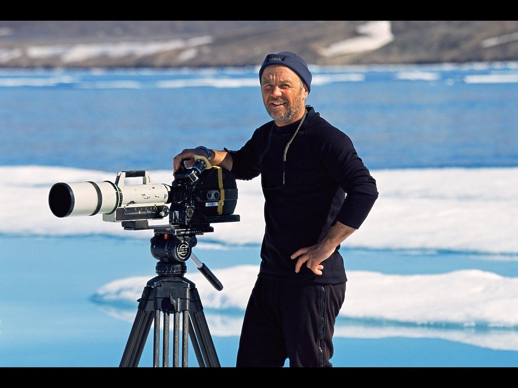 Doug Allan filming in the Arctic.