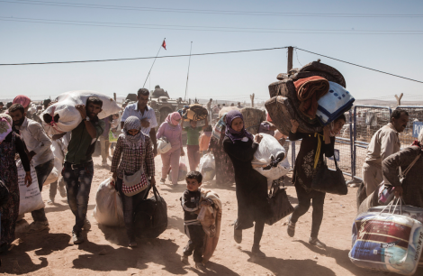 Syrian Kurdish refugees arriving in Turkey. The conflict in Syria has now the world's largest single driver of displacement - Photo: UNHCR / I. Prickett