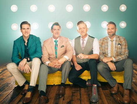 Ernie Haase & Signature Sound are returning to the isles - this time on their Christmas tour.