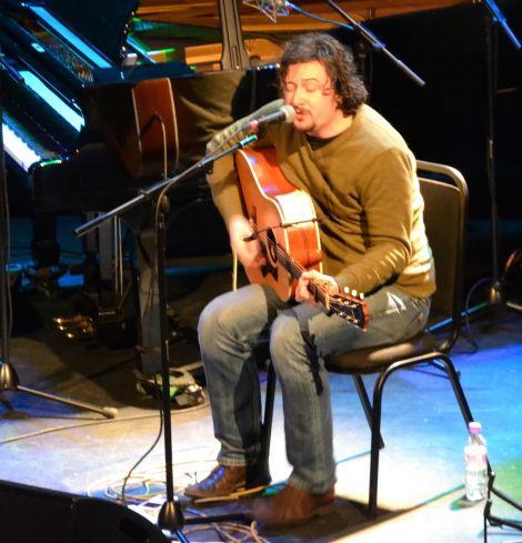 Dan Willson treated the audience to selections from his two albums under the name Withered Hand. Photo: Shetnews