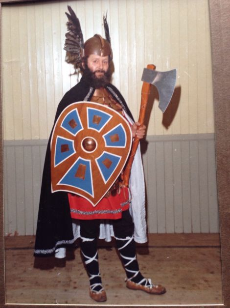 The jarl's grandfather Charlie Anderson as Guizer Jarl in 1977.