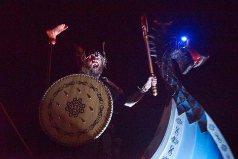That's a nasty looking foot beside SMUHA guizer jarl Scott Lobban, aka Haraldr Harfagri, a fierce warrior Viking indeed. P{hot Chris Brown