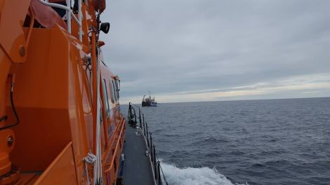 Aith lifeboat approaching the fishing vessel Starlight Rays, around 35 miles northeast of Unst - Photo: Aith Lifeboat