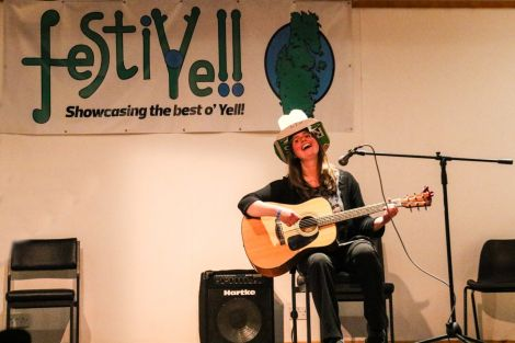 Elsbeth Clark singing a comedy country song during the FestiYell concert. Photo: Charlie Inkster