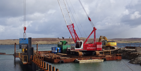 The pile installation at the new pier closely following the drilling team - Photo: Tulloch Developments