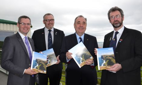 Local government minister Derek Mackay, SIC leader Gary Robinson, Scotland's first minister Alex Salmond and Orkney council convener Steven Heddle pictured following the launch of the 80-page 'Empowering Scotland's Island Communities' prospectus. Photo: Shetnews