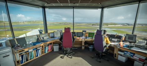 Air traffic controllers reject latest pay offer | Shetland News